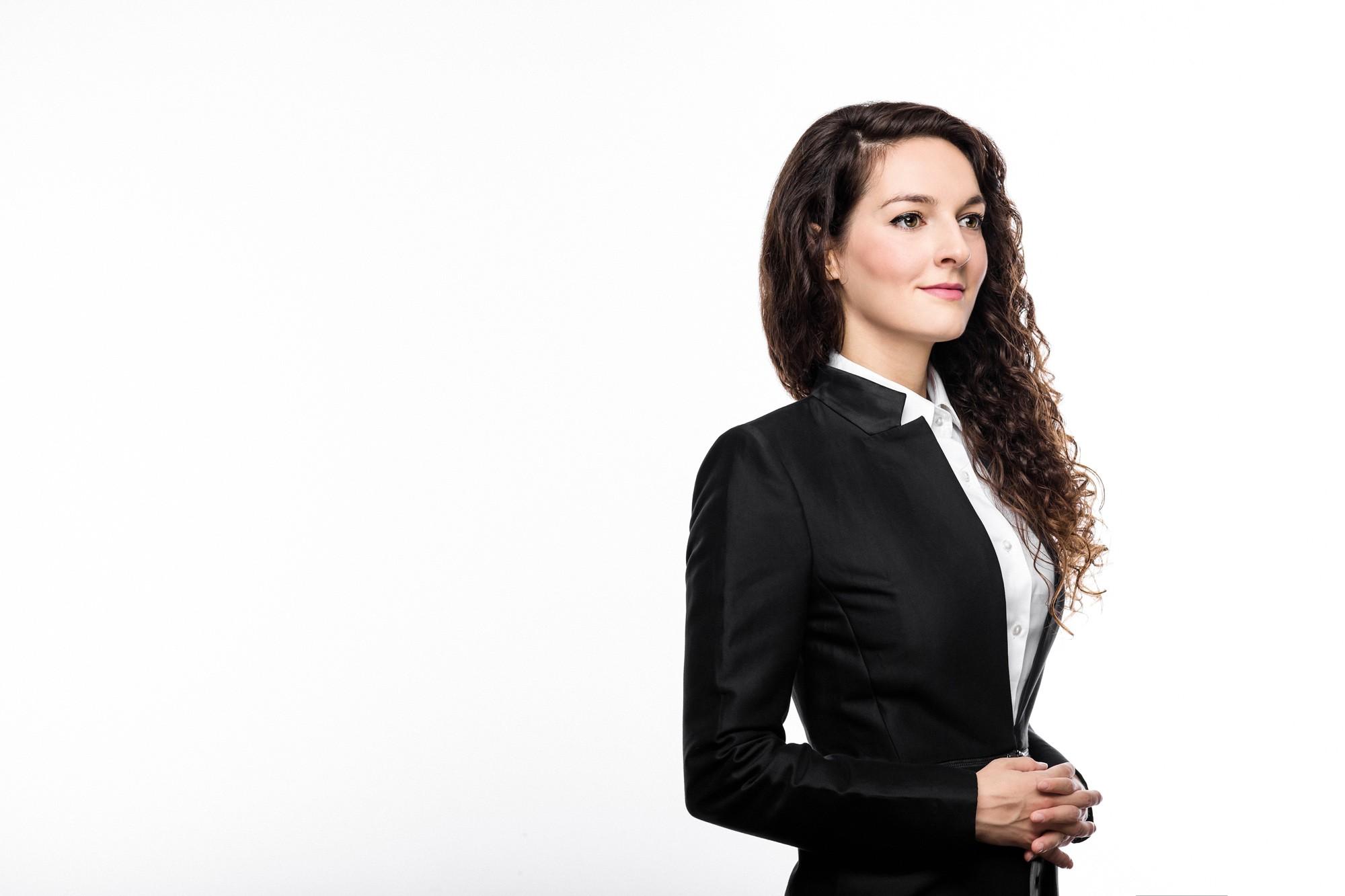 Φωτογράφιση πορτραίτου για linked in | Χριστίνα Λεκάτη - Social Engineering Security Specialist